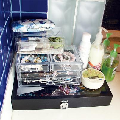 organizing-jewelry