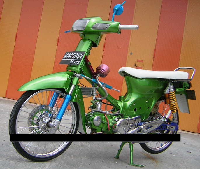you've seen my modified motor honda grand 2011 full of green airbrush  title=