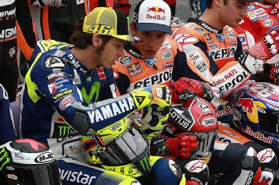 Rossi 'Tendang' Marquez dan Lorenzo di Twitter