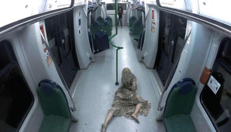 Candid Camera - Zombie in metropolitana