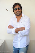 Telugu Hero Tarun latest Photo Shoot photos Stills Gallery-thumbnail-3
