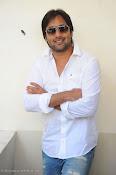 Telugu Hero Tarun latest Photo Shoot photos Stills Gallery-thumbnail-3