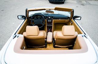 38 Mercedes-Benz 560SL R107 1988