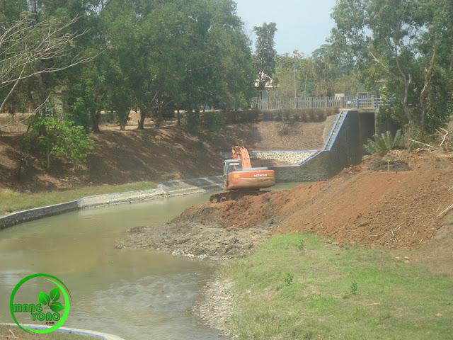 Normalisasi sungai Ciasem dusun Gardu, Pagaden Barat, Subang.