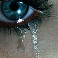 cada letra es una lágrima que imagina empezar de cero.