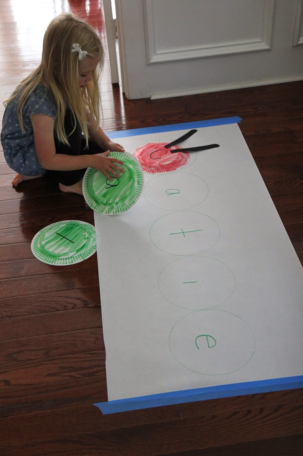 To play the Very Hungry Caterpillar Name Game all you do is. & Toddler Approved!: Very Hungry Caterpillar Paper Plate Name Game