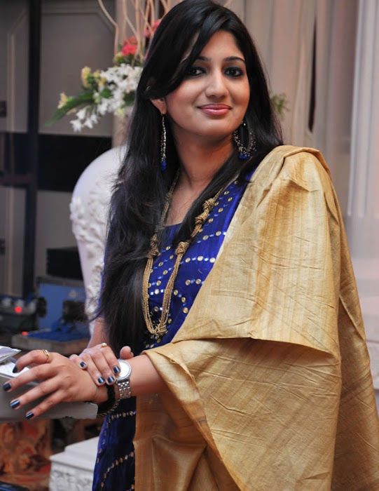 vijay tv anchor divya divya actress pics
