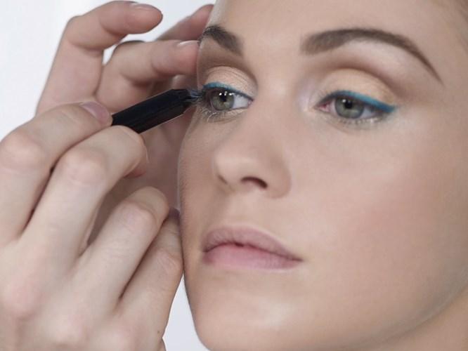 The Best Blue Eye Makeup For Summer