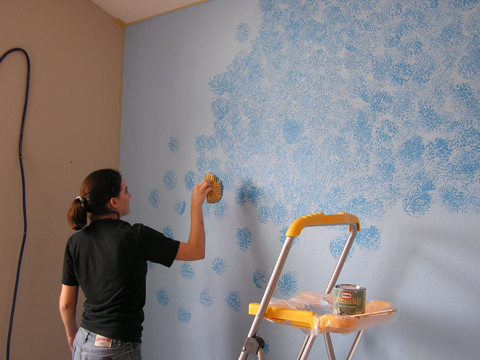 Everyday adventures friday flashback the blue wall Grey sponge painted walls