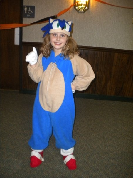 sc 1 st  The Urban Domestic Diva & MOMMYHOOD: How to Make your kid a Sonic the Hedgehog Costume!