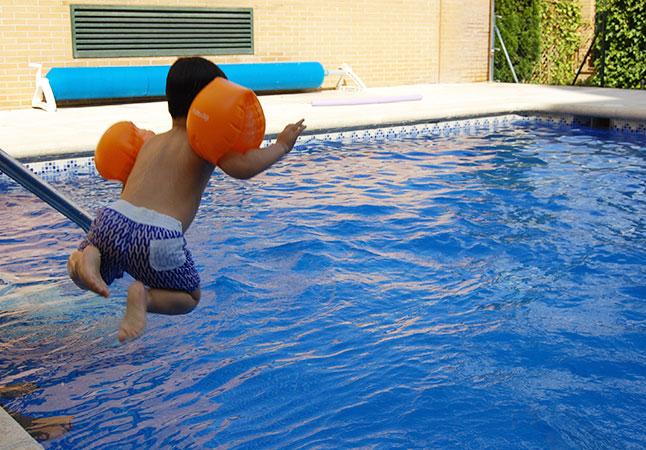 Mon Petit Piu Piu: tardes piscina niños
