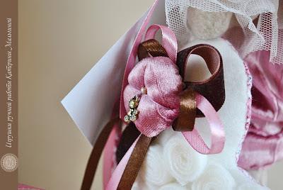 Нежная зайка в розовом цвете