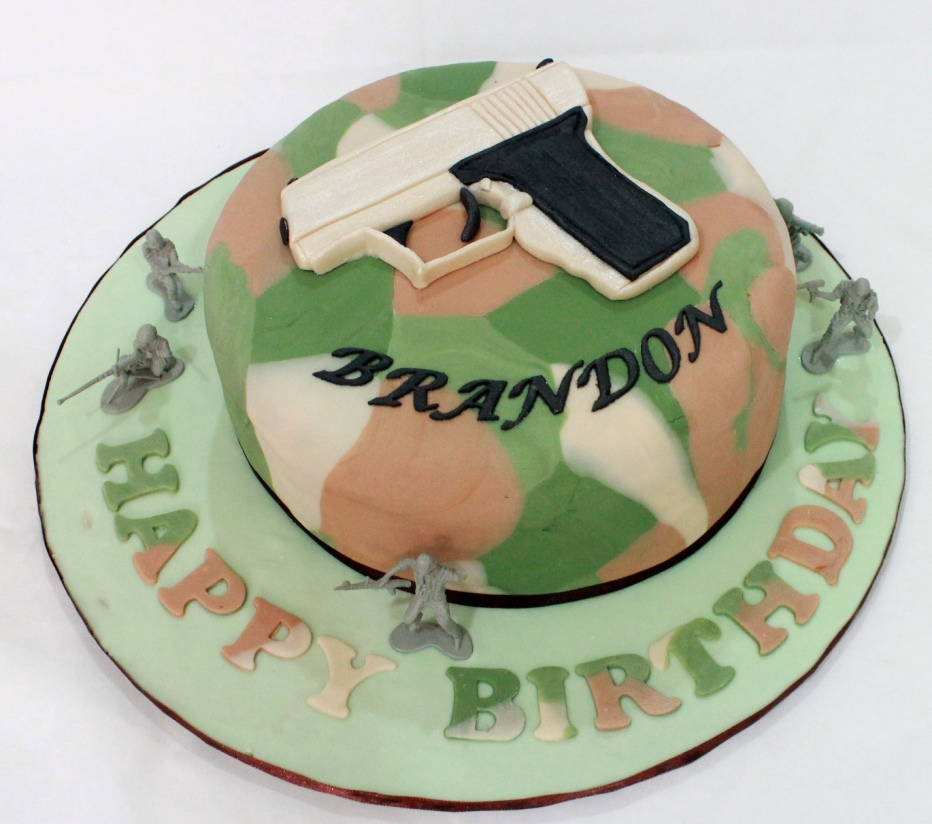 Bearylicious Cakes Army theme birthday cake