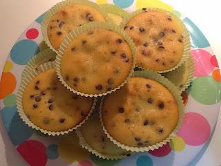 muffin allo yogurt e limone con gocce di cioccolato