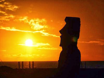 Puesta de sol en Isla de Pascua