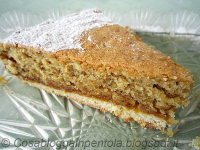 torta montata alle nocciole pasta frolla marmellata arancia ricetta cosabloggainpentola