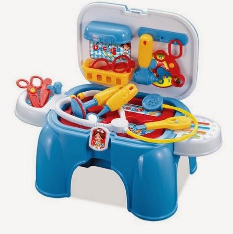Kado ulang tahun berupa mainan dokter dokteran untuk anak perempuan.