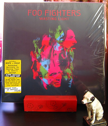 Jeff S Fancy Blog On My Turntable Foo Fighters Wasting