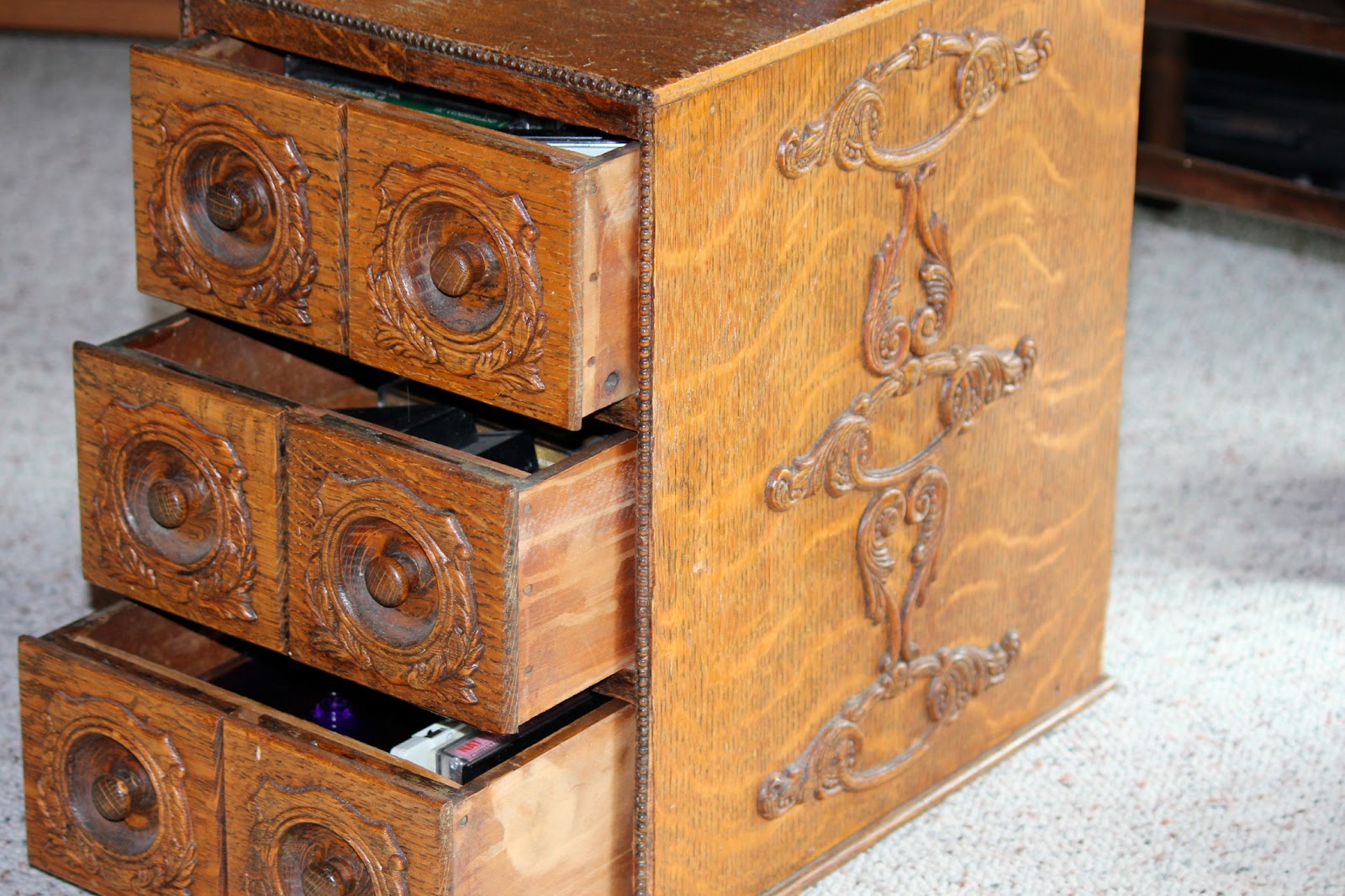 The Cabin Countess Treadle Sewing Machine Repurposed
