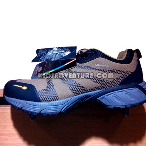 Sepatu Eiger W135 Hiking Shoes