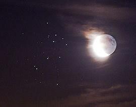 Luna y Pléyades