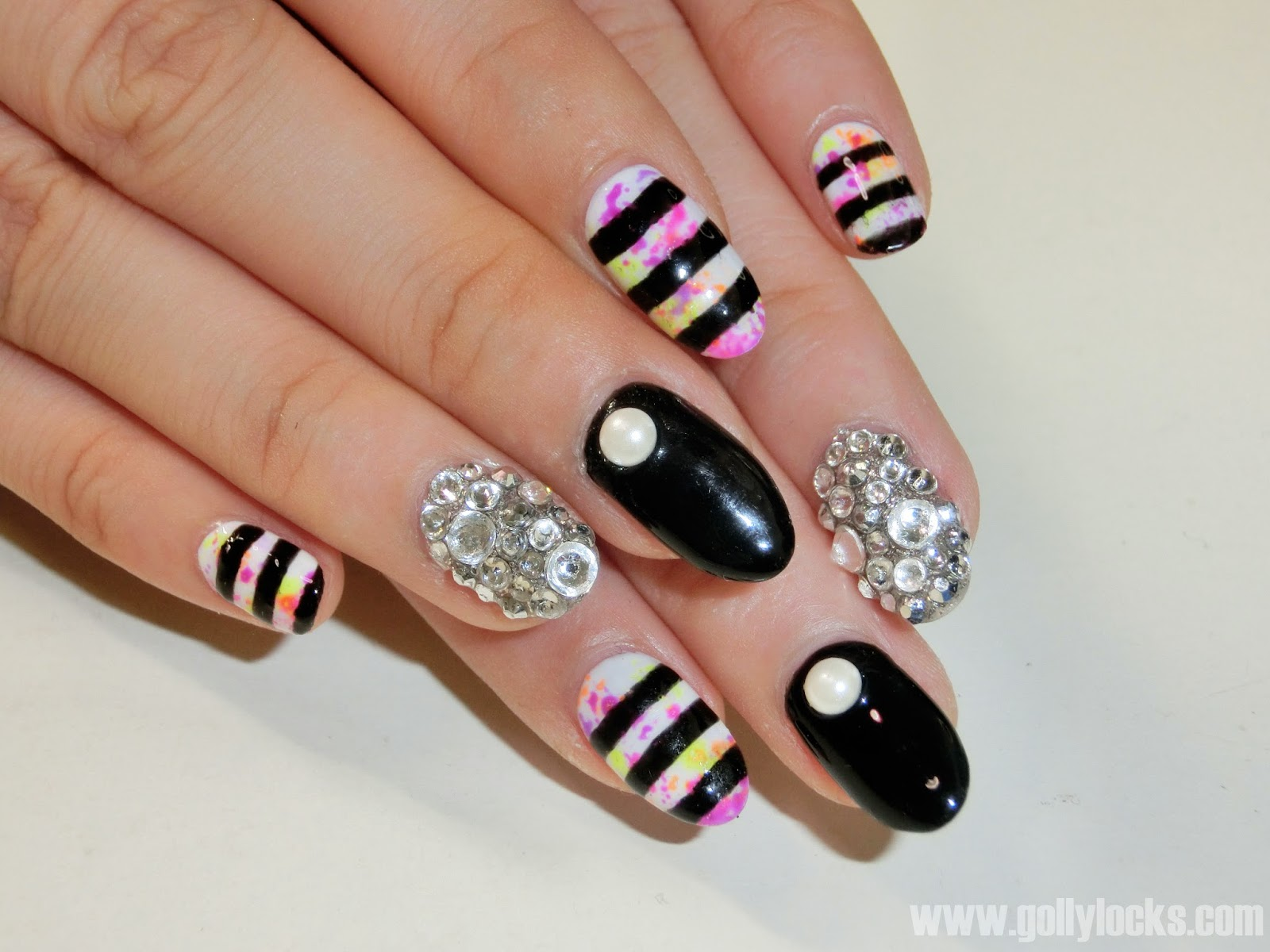 gollylocks-superstar-graffiti-nail-1
