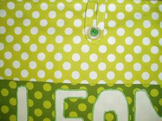 Colcha de patchwork para cuna personalizada.