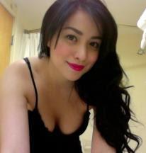 Hot Tante Aline Bibir Merah Menggoda