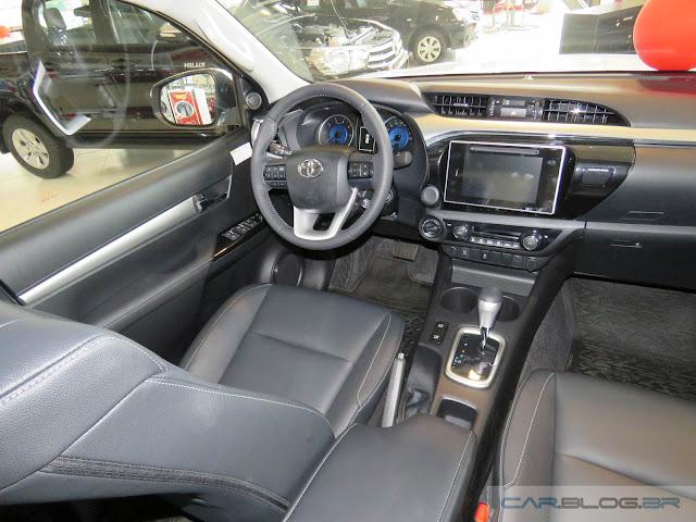 Toyota Hilux SRV 2016  - interior