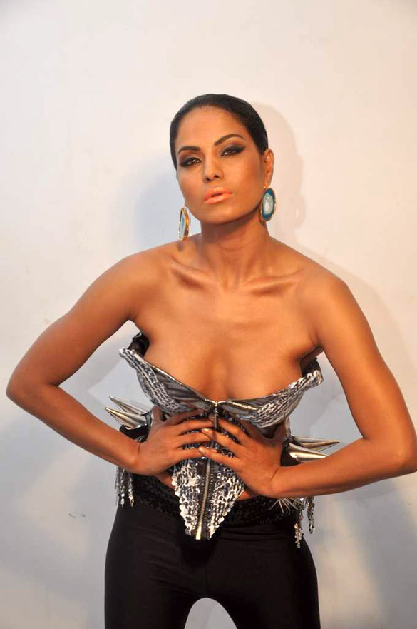 Veena malik veena malik hot stills veena malik photo gallery