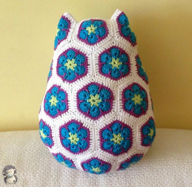 African Flower Written Crochet Pattern : 1000+ images about B?hos on Pinterest Crochet owls ...