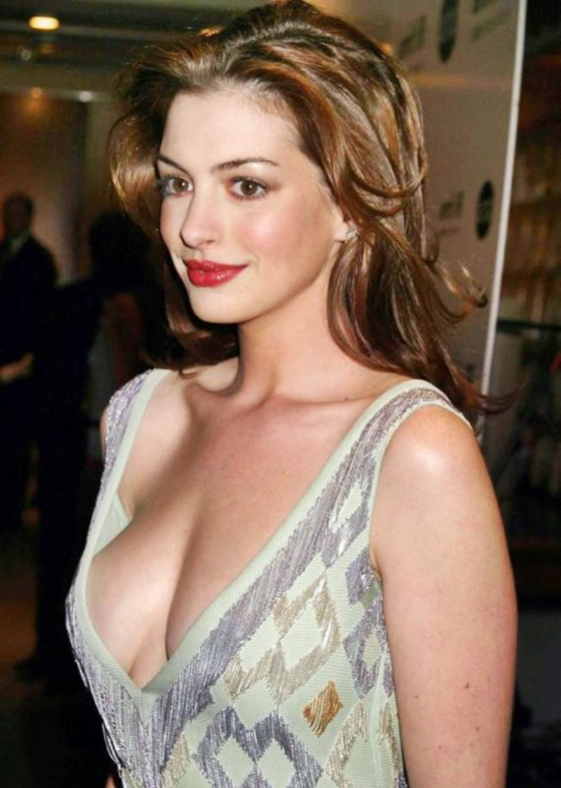 Anne Hathaway: Anne Hathaway breast pics