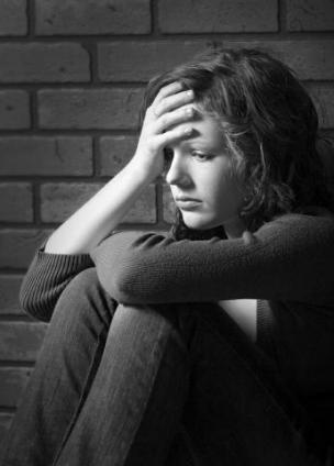 http://2.bp.blogspot.com/-CsnFCvcAQBE/ULD6BSMQ_pI/AAAAAAAAuG4/fcYsJjGDX4w/s1600/depressed_girl.jpg