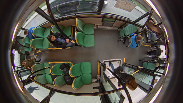 Empresas-tecnología-demuestran-Bogotá-vehículo-transmite-imágenes-cámaras-vivo