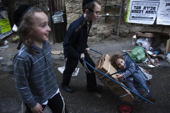 niños judios ultraortodoxos