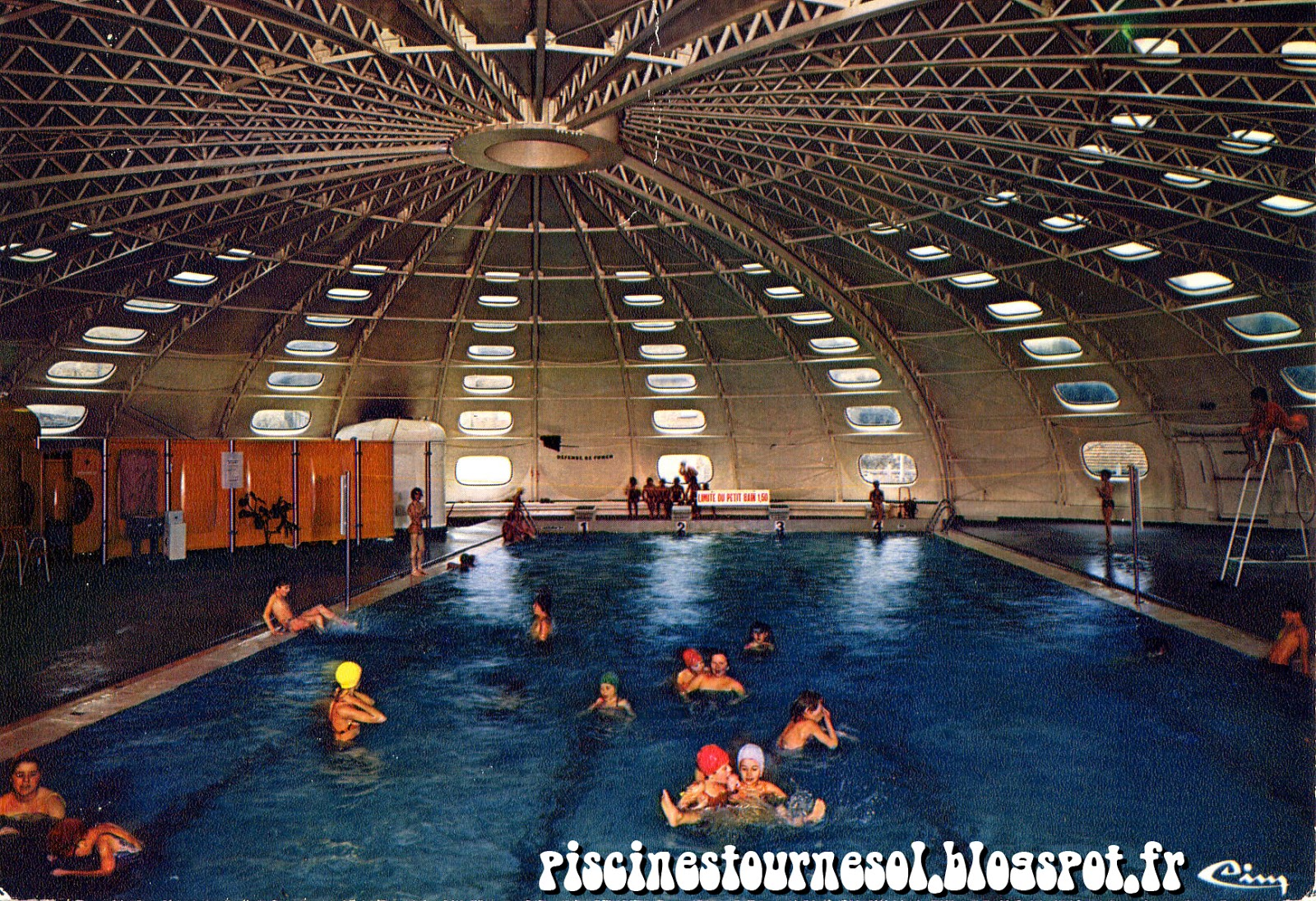 Piscines tournesol piscine tournesol cours la ville for Piscine tournesol
