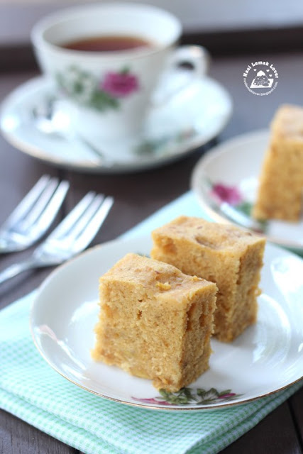 Old Fashioned Caramel Pound Cake