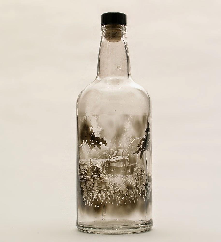 Miniature scenes on bottles