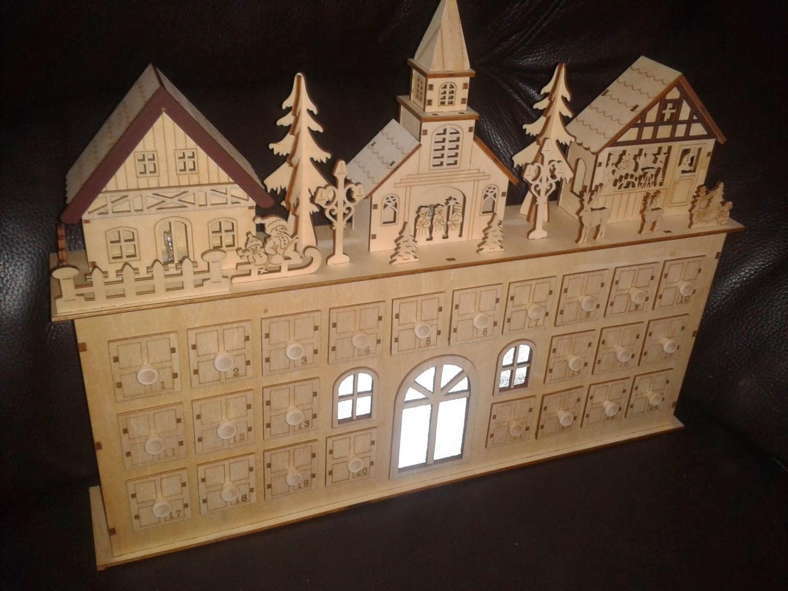 Wife, Mum, Student Bum: Review & Giveaway! Wooden Advent Calendar & £ ...