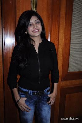 Poonam Kaur very hot photos