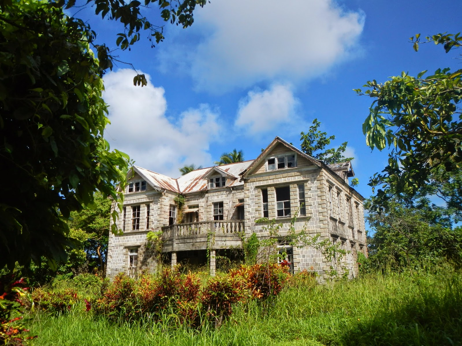 Plantation houses slave pens grenada 39 s history for Hermitage house
