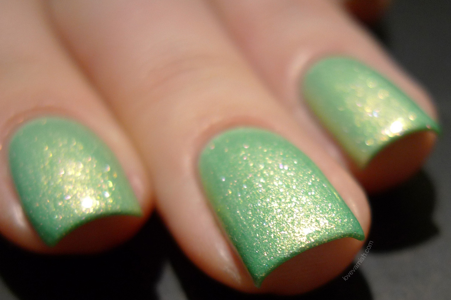 F.U.N Lacquer Pink Tulips On The Green thermal white to mint green polish