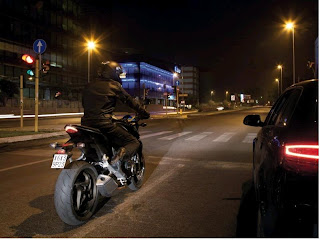 Tips Mengendarai Sepeda Motor di Jalanan Perkotaan