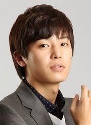 Biodata Yun Woo Jin pemeran tokoh Lee Jae-hee