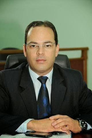 ILUMINAÇÃO PÚBLICA – Vereador solicita luminárias para bairros de Garanhuns