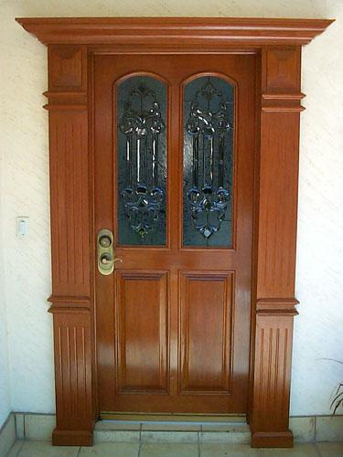 Carpinteria y muebles diaz puertas for Puertas principales rusticas madera