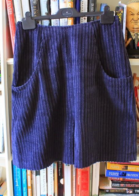 pimp my curtains: FO: Self drafted Jumbo corduroy skirt