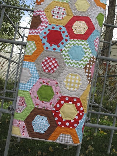 Bee In My Bonnet: Bee in my Bonnet Hexie Half Ruler...and my ... : honeycomb quilt - Adamdwight.com
