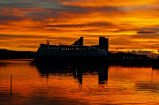 Sunset over Oslo and the DFDS Seaways ferry (amazing sunset over oslo )