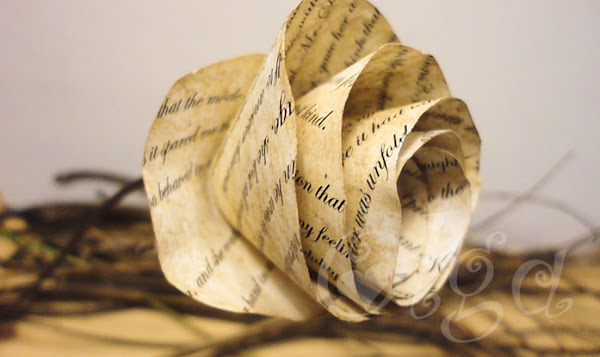 Flores de papel de libro antiguo imitaci n - Libros antiguos para decoracion ...